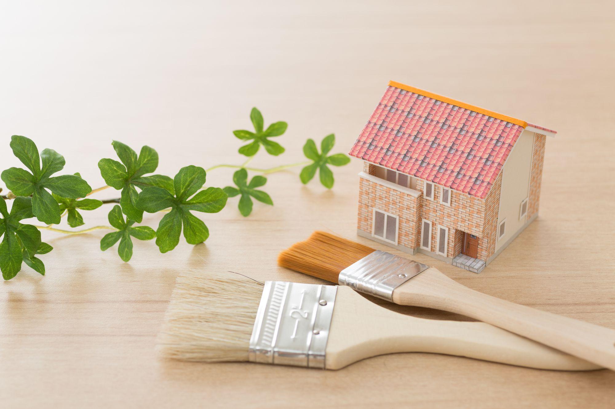 """<span class=""""title"""">外壁塗装・屋根塗装をDIYする際の塗料の選び方</span>"""